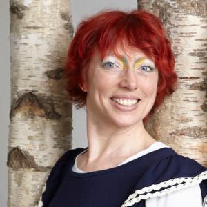 Ella-Berthoud-Bibliotherapist